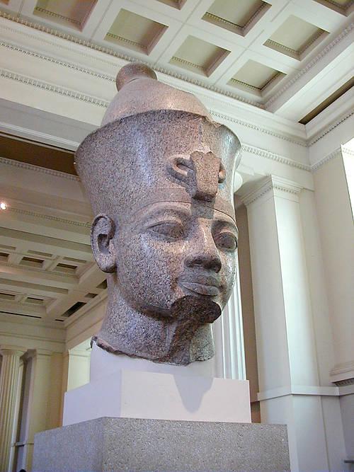 Гранитная голова - Аменхотеп III