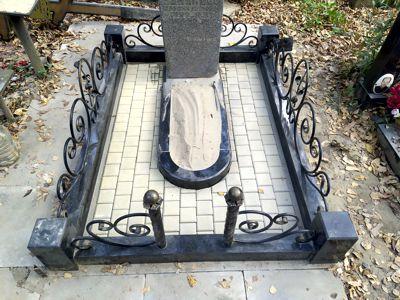 брусчатка на могиле