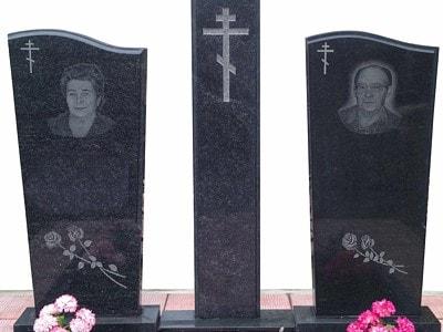 Двойной памятник на могилу с крестом