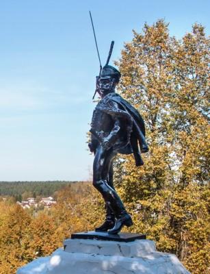 Памятник Дорохову в Верее