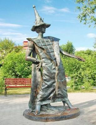 Памятник шоколаду в городе Покров