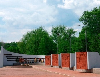 Памятник мемориал славы